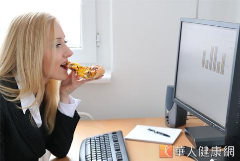 現代人飲食西化、作息不規律,經常藉著大吃大喝抒解壓力,長期下來,易導致腸胃毛病的發生。