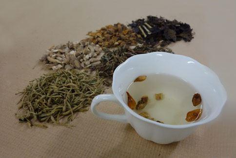 中醫認為,藥膳茶飲提升免疫力,緩解腸病毒肆虐風險。(圖片提供/大林慈濟醫院)