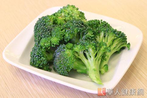 青花菜含有豐富維生素A,成分中的視網酸有助於維持黏膜細胞健康,預防嘴破。