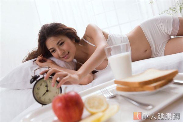 許多女性為了快速減重,採取多睡覺、低熱量的飲食方式,長期造成身體代謝率低下,恐危害健康。