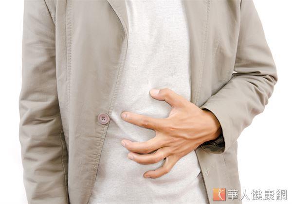 括約肌的感應功能出現疲態,使糞便堆積於體內形成宿便,惡性循環下也就造成便祕反覆發生。