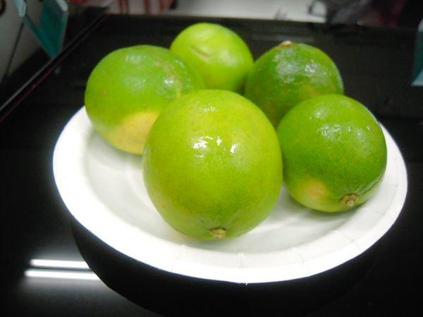 腎結石是腎臟病中最常見的疾病之一,醫師建議多喝檸檬水可預防。(圖片/華人健康網資料照片)