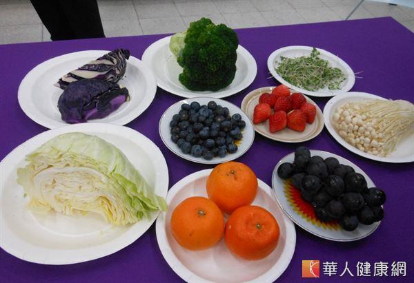 Festival promoting detoxification diet adds, subtracts, divides the cauliflower