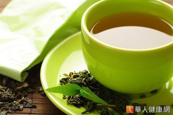 研究證實綠茶含有豐富的兒茶素,具有調節血脂、促進代謝和輔助減重的作用。