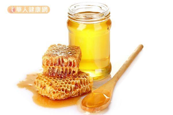 蜂蜜含有豐富營養,還有助於潤腸通便,可用來代替白糖的使用。