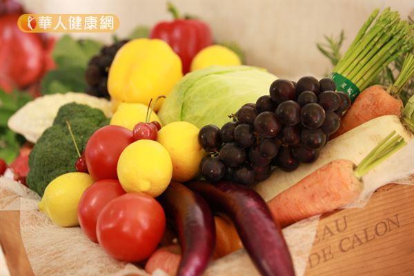 天然的食物如深色蔬菜及香蕉都含有鎂。