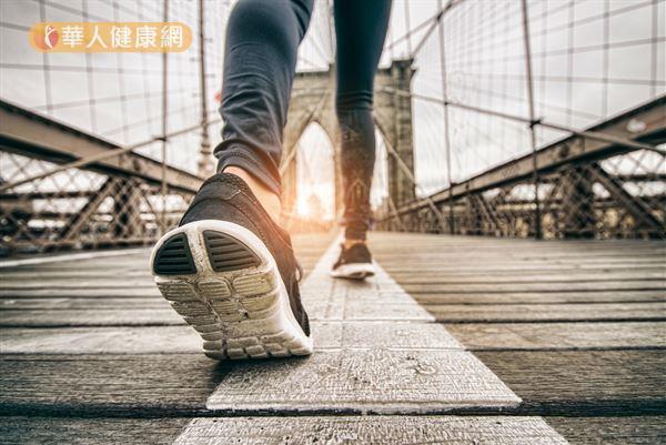 真正影響瘦身效果的走路關鍵,不是「步數」,而是「速度」和「時間」。