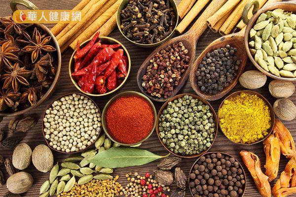 辛香料有助於體內脂肪的燃燒,減少脂肪囤積。