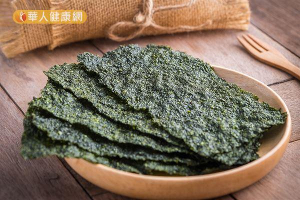 海苔含有豐富的碘,有助於合成甲狀腺素,進而提升基礎代謝率。