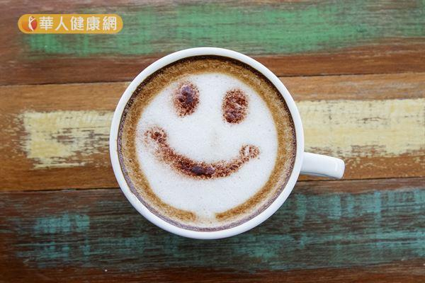只要控制每日咖啡因攝取量在300毫克以內,女性生理期也能快樂喝咖啡。