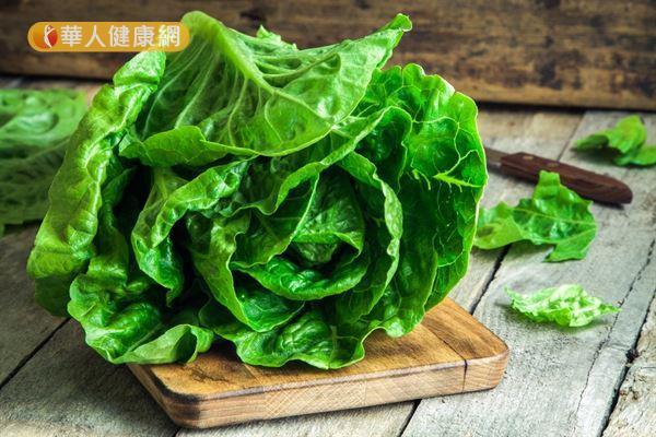 深綠葉蔬菜是鎂的重要攝取來源,多攝取可預防經痛的發生。