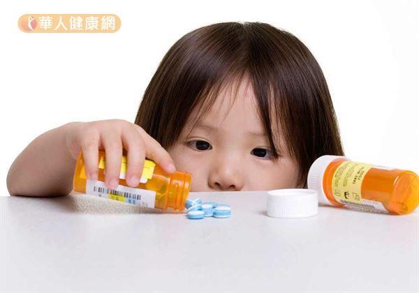 日本《朝日新聞》報導,日本國內最大製藥商「山本化學工業」驚爆涉嫌魚目混珠,將其下生產為感冒藥、止痛藥中重要成分「乙醯胺酚」混入部分大陸製的乙醯胺酚成分降低成本,再轉售其他製藥公司。