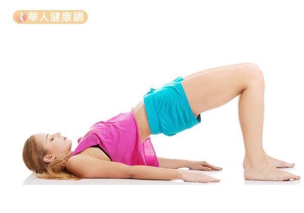 訓練會陰部的肌群,也就是俗稱的提肛,類似於大家耳熟能詳的「凱格爾運動」。