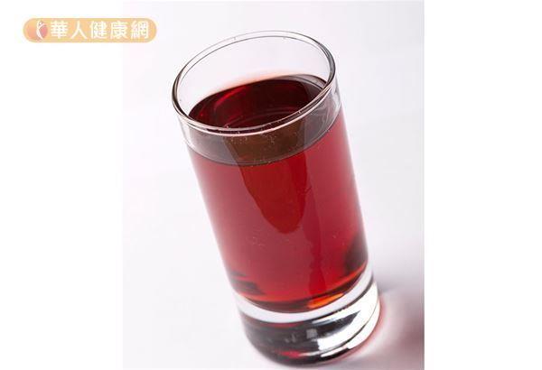 中醫建議喝烏梅桂花飲,減少體內過多的脂肪。