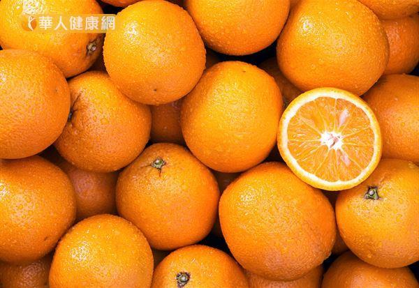 柳丁的生物類黃酮及維生素C含量尤其豐富,兩者相乘作用有利於血管健康。