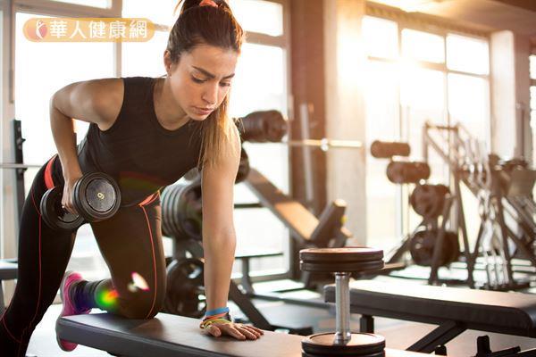 瘦身應選擇多元化的運動,TRX只是其中之一,建議再搭配有氧運動與重量訓練。