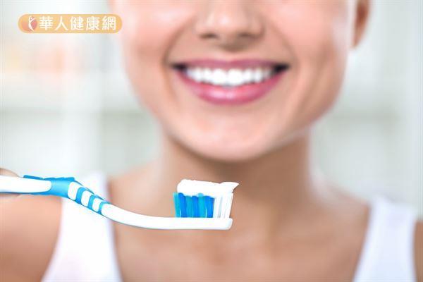 想要甩開惱人的口臭,正確的口腔清潔習慣很重要。