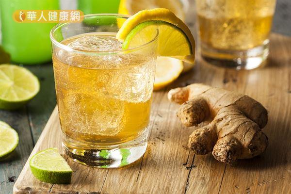 夏天來一杯醋薑檸檬水,消暑解渴又能促進新陳代謝,遠離亞健康。