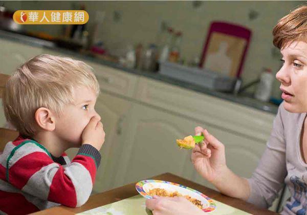 炙熱氣候,食欲減低,小朋友不愛吃蔬菜,挑食又偏食,讓家長傷透腦筋。
