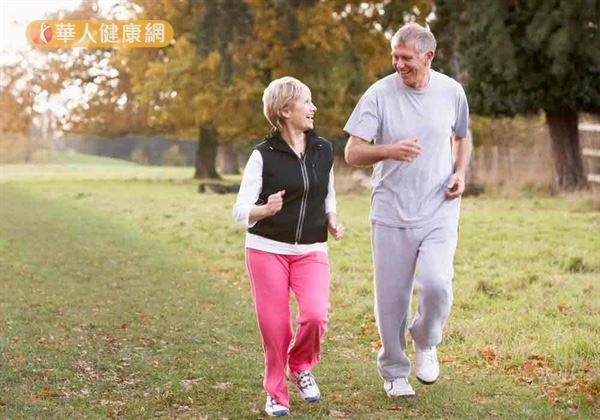 「要活就要動!」不僅是大家從小到大耳熟能詳的標語,對於體能、肌耐力隨著年齡增長逐漸走下坡的銀髮族們來說,適度活動更是有效避免退化、保持腦力的關鍵!
