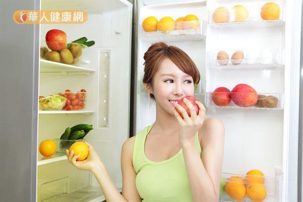 尚未清洗、切過的新鮮蔬果,停電期間在冰箱冷藏室中不至於快速腐壞。