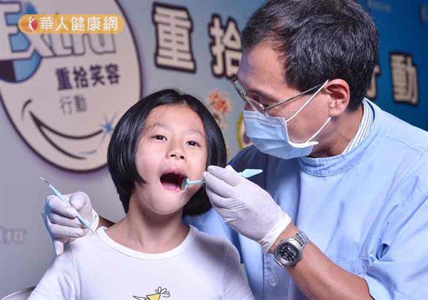 「兒牙學會」提倡『Dental Home』觀念,建議應維持至少半年做1次口腔檢查,才能及早發現口腔問題。(攝影/記者張世傑)。