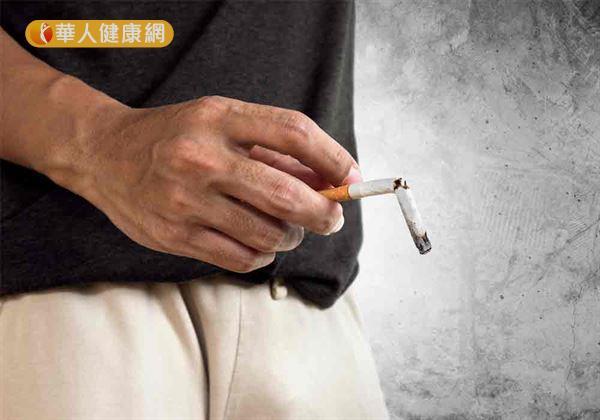 倘若,男性朋友本身又有吸菸、酗酒、藥物濫用的習慣,以及肥胖問題,更是容易加劇老化速率,使睪固酮分泌出現異常,進而導致性功能障礙上身。