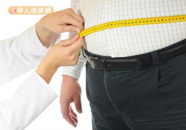 根據衛福部國民健康署調查,台灣20歲以上民眾罹患代謝症候群盛行率高達19.7%;隨年齡增加、比例越高,45~65歲民眾有代謝症候群問題的比例更超過3成。
