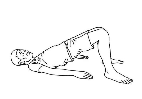 雙腳屈膝,將腰部往上抬起,並維持10秒,重複10次。(圖片/大田出版提供)