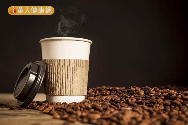 咖啡中的咖啡因可以降低因脂肪肝而異常升高的肝功能指數。