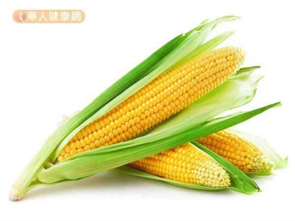 玉米除了含有豐富的葉黃素、玉米黃素能降低黃斑病變發作風險之外,還包含豐富的膳食纖維。