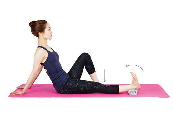 大腿前側施力,將腳背往身體方向勾,維持 6 秒。(圖片提供/采實文化)
