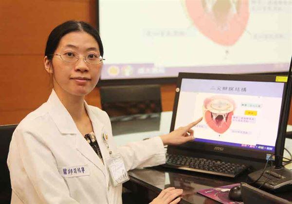 胡祐寧醫師(如圖)強調,如有嚴重二尖瓣閉鎖不全,應及早進行手術處理。(圖片提供/成大醫院)
