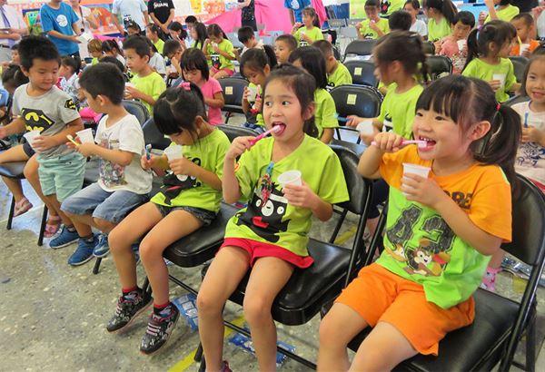 台灣兒童齲齒率卻高達2.5顆,牙齒塗氟觀念需加強。