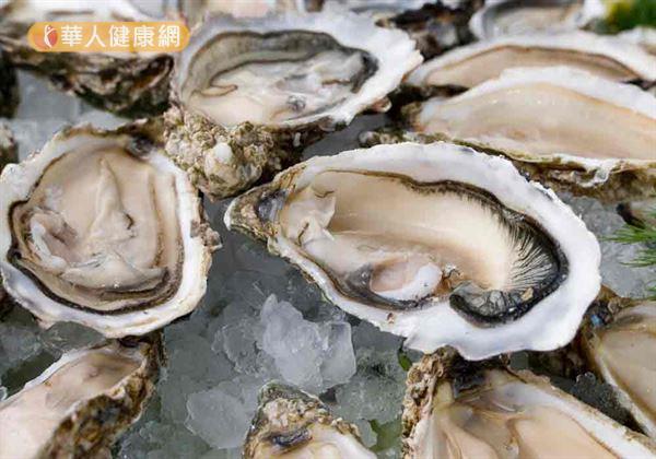 醫師提醒,若為易感染海洋弧菌的高危險群,應減少生食海鮮料理。