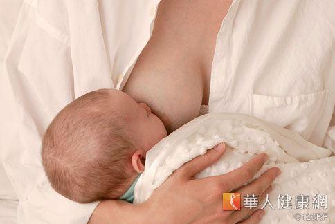 產後媽咪們最關心的就是母乳夠不夠滿足寶寶。