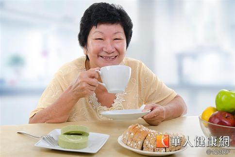早餐店反式脂肪含量偏高!外食族可透過運動、纖維攝取加速毒物代謝