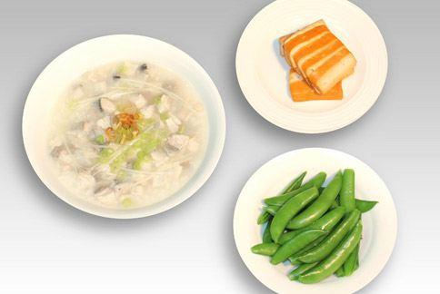 午餐之一╱虱目魚粥。(圖片提供╱如新公司)