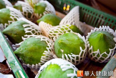 木瓜具有祛風溼、消腫、舒經活絡等功效,可以幫助治療痛風。(圖片/本網站資料照片)