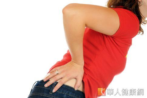 女性一過35歲,骨質流失速度加快,易有骨鬆、駝背、關節僵硬、平衡感差等症狀。