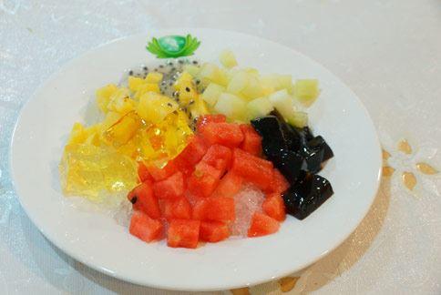 選擇愛玉、山粉圓等低糖、低熱量配料,適合糖尿病患清涼一「夏」。(圖片提供/大林慈濟醫院)