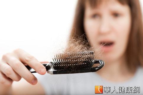台灣約有1 成女性有掉髮的困擾,其中3成和疾病有關。