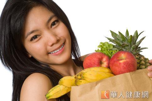 吃新鮮蔬果是補充酵素的最好辦法,多元攝取各類蔬果,可盡量滿足人體對多種酵素的需求。