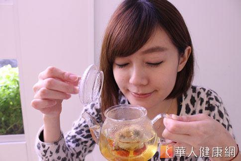藥膳茶飲可潤腸通便降火氣,緩解便祕發生。(圖片/華人健康網資料照片)