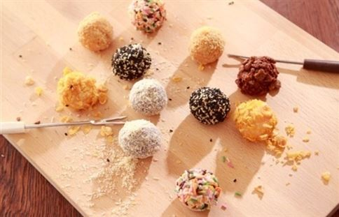繽紛又甜蜜的甜點【搖滾遊戲湯圓】,做法簡單又能在女生之間引起話題。