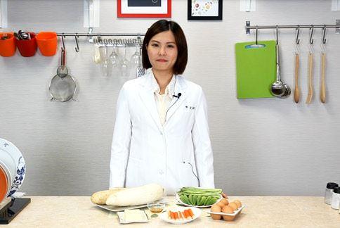 陳宜娟營養師提醒,夏天天氣悶熱,食物保存不易,細菌特別容易滋生。
