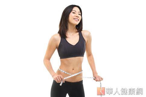 坊間減重法琳瑯滿目,如何真正減到體脂肪而不是減去肌肉或水分呢?劉汶璋營養師表示,只要把握「吃足夠多運動」的原則就行。