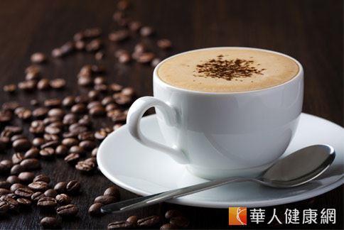 根據英國國際咖啡組織調查,台灣每年每人平均喝掉的咖啡豆約0.7公斤,日本每人約消耗3.5公斤,歐美更多達近5公斤,喝咖啡不僅提神醒腦,更被塑造成一種工作之餘休息一下的調劑良方。