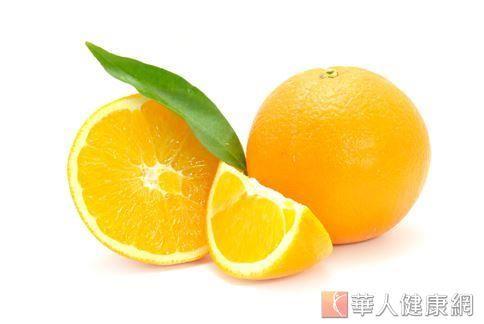 柳丁含有豐富的維生素A、B、C、磷、蘋果酸,及生物類黃酮,且多纖維又低卡。