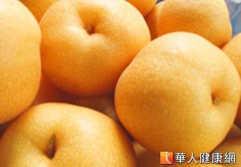 秋天是個乾燥的氣候,多吃梨子可以緩解秋燥症。